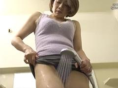 【友田真希】「大きくて逞しい…」夫の知人を泊めて間違いを犯すも、すっかり魅せられてアソコの火照りが収まらない淫乱妻
