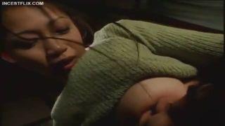 【友田真希】寂しさに耐える息子を優しく甘えさせるうちに欲情した肉棒を妖艶に導き入れ、精子を中で放出させた巨乳母