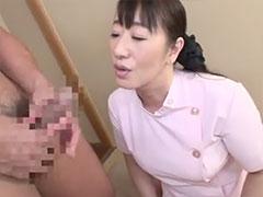 客の肉棒に欲情する熟女マッサージ師