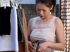 【友田真希】美人妻のノーブラ乳首ポッチ