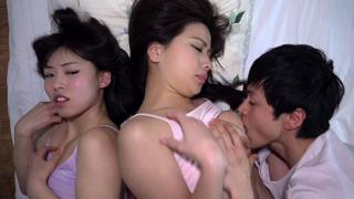 隣で眠る叔母のおっぱいにすい付く