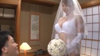 透け透け花嫁衣裳の風間ゆみ